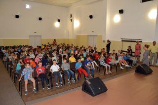 Peste 1.000 de elevi vor merge gratis la cinematografele din Arad