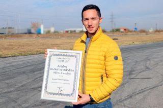 """Robert Mureşan a primit diploma """"Arădeni cu care ne mândrim"""""""