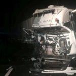 Două autotrenuri s-au ciocnit pe autostradă, între Arad și Nădlac