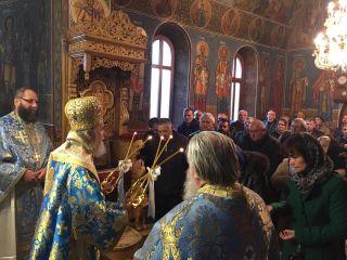 Arhiepiscopul Aradului a participat la hramul bisericii istorice a Mănăstirii Hodoș – Bodrog