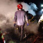 UPDATE 3 O mașină s-a răsturnat și a luat foc între Sântana și Curtici. Două persoane au murit