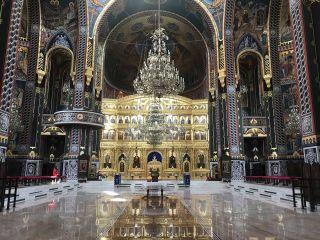 """Mesajul Patriarhului Daniel cu prilejul sfinţirii picturii Catedralei Arhiepiscopale """"Sfânta Treime"""" din Arad"""
