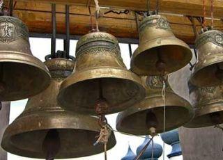 În toate bisericile ortodoxe vor bate clopotele în amintirea Marii Uniri