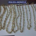 Aproape 4 kilograme de bijuterii și pietre prețioase, confiscate de la un arădean