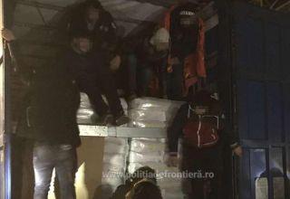 16 migranți ascunși într-un automarfar, depistaţi la PTF Nădlac II