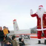 Moș Crăciun a aterizat la Aeroportul din Arad, unde a fost așteptat de copii