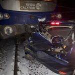 Mașină lovită de tren, la Zimandu Nou. O persoană a fost rănită