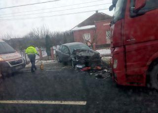 Accident la Șimand. Trei persoane au fost rănite