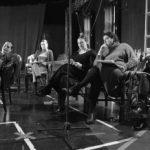 """Premieră pe scena Teatrului Clasic """"Ioan Slavici"""". Șapte actrițe joacă în """"Familia Ibsen"""""""