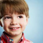 Studiu: 1 din 10 copii care poarta aparat dentar este agresat la scoala. Iata care este solutia!
