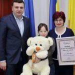 """Mara Oprea a primit diploma """"Arădeni cu care ne mândrim"""""""