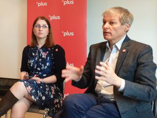 """Dacian Cioloș, la Arad: """"Ne dorim ca PLUS să fie un partid care să reprezinte România, nu doar membrii săi"""""""