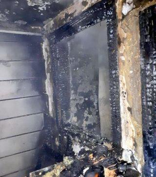 Incendiu la Livada. O persoană a murit şi alte două au fost rănite