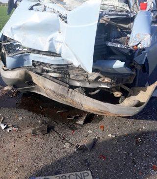 Accident pe DN 79, la Șimand. Patru persoane au ajuns la spital