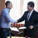 A fost semnat contractul pentru modernizarea drumului județean Sânmartin – Șimand – Olari – Caporal Alexa