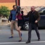 Cei trei tineri deghizați în femei care au tâlhărit un bărbat, arestați