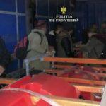 14 migranți ascunși într-un automarfar, depistaţi la PTF Nădlac II