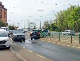 Mașina primarului Falcă, lovită pe Calea Romanilor