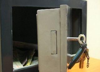 UPDATE Seif cu bani şi acte, sustras din sediul unei firme de transport din Cicir