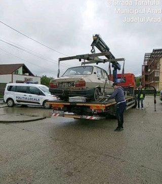 Mașini abandonate, ridicate de pe domeniul public