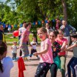 """""""Bucurie în Mișcare"""", la Arad. Mii de iubitori ai mișcării împreună, în Parcul Europa"""