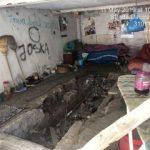 Oameni ai străzii, evacuați dintr-un garaj abandonat