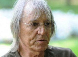Cântăreţul Mihai Constantinescu, internat la spital în urma unui stop cardio-respirator