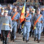 Reconstituire istorică cu cadeți și parada portului popular, în centrul Aradului