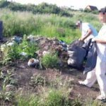 Beneficiari ai ajutorului social, scoși la curățenie pe străzi din Arad