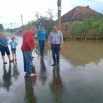 Continuă activitățile de constatare și evaluare a pagubelor produse de inundații în județul Arad