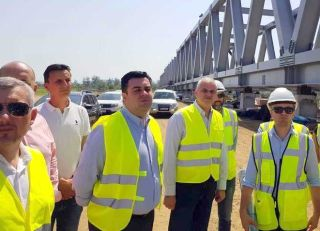 Ministrul Transporturilor: Firma care se ocupă de reabilitarea liniei ferate Curtici – Simeria nu şi-a plătit subcontractorii români