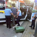 Un bărbat a ajuns la spital după ce a lovit… un coș de gunoi
