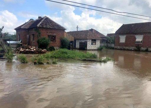 CJ Arad cere bani pentru despăgubirea persoanelor afectate de inundațiile din iulie