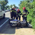 Motociclist rănit grav, în urma unei coliziuni cu o mașină