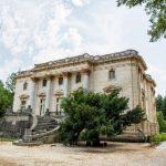 Domeniul şi palatul Mocioni-Teleki, scoase la vânzare