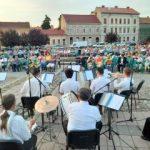 Sunet de fanfare, în Parcul Reconcilierii din Arad