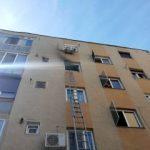 Incendiu într-un bloc de pe str. Poetului. Locatarii s-au autoevacuat