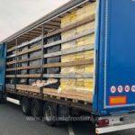 Peste 400.000 de pachete cu ţigări de contrabandă,depistate la PTF Nădlac II