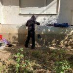 Persoană fără adăpost, infectată cu HIV, descoperită de polițiștii locali. A refuzat internarea