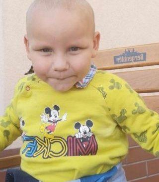 UPDATE Știți cine e? Acest copil a fost găsit pe o stradă din Arad