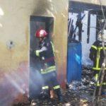 Incendiu la fosta unitate militară din cartierul Gai