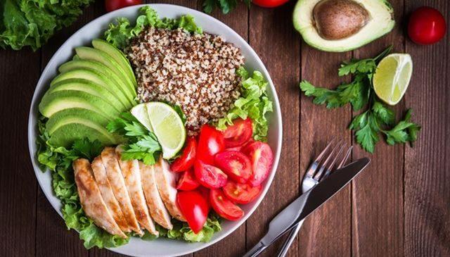 Alimentatia dupa sarcina – CUM trebuie sa te hranesti ca sa fii in forma si sa nu iti pui in pericol sanatatea
