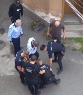 Bărbat tâlhărit în centrul Aradului. Agresorul a fost arestat