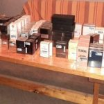 Parfumuri și telefoane mobile, confiscate de jandarmii arădeni