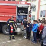 Lecție de acordare a primului ajutor la Școala Gimnazială din Vladimirescu