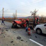 Accident pe DN 7, în județul Arad. Un bărbat a murit, unul este rănit grav