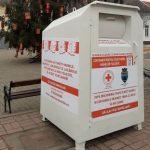 Trei containere pentru donaţii de haine, amplasate în orașul Pecica