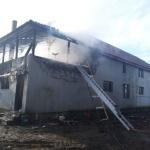 Clădire în flăcări la Grăniceri. Pompierii au acționat 3 ore pentru lichidarea incendiului