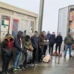 Doisprezece migranți, depistați ascunşi într-un automarfar la PTF Nădlac II