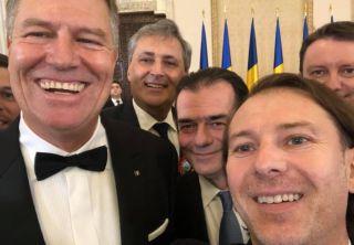 Selfie-urile, la modă printre politicieni în 2019